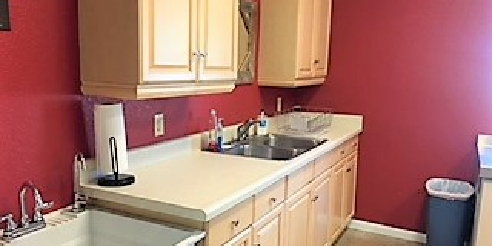 1 Friends Trail,Uvalde,78801,8 Rooms Rooms,2 BathroomsBathrooms,Commercial,Friends Trail,1064